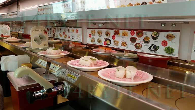 かっぱ寿司で流れるお寿司